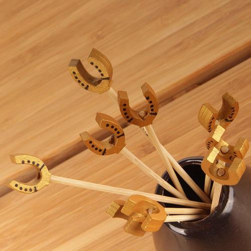 3.9  decorativo lucky horseshoe end bamboo cocktail fru...
