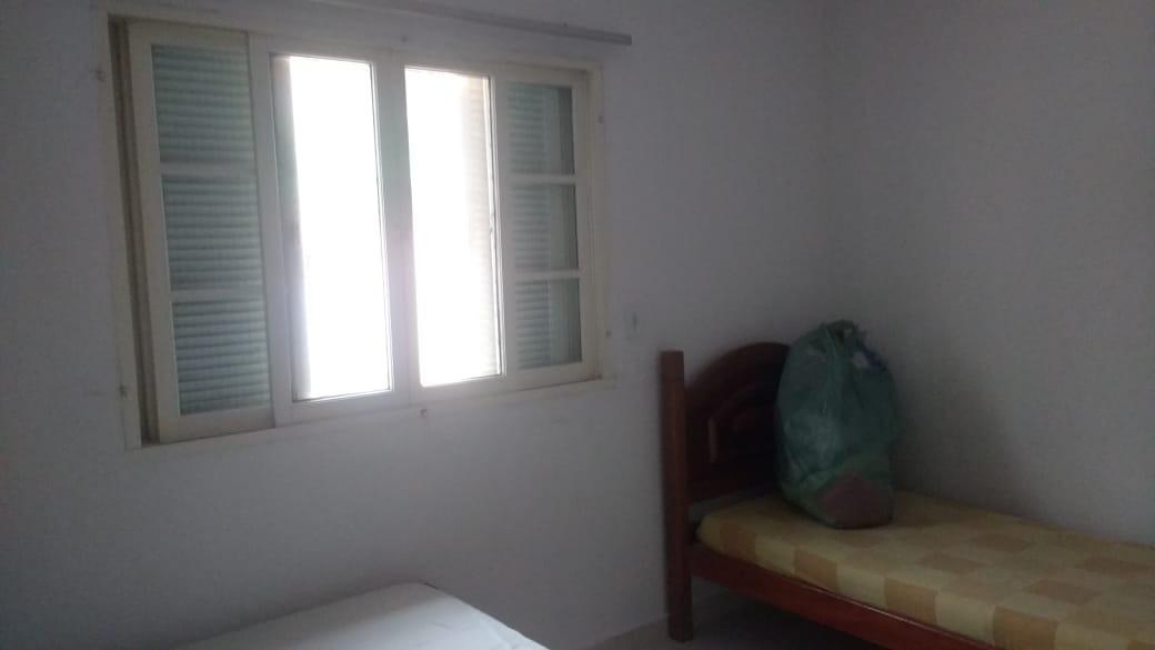 3977- lote inteiro 2 dormitórios 170 metros da pista