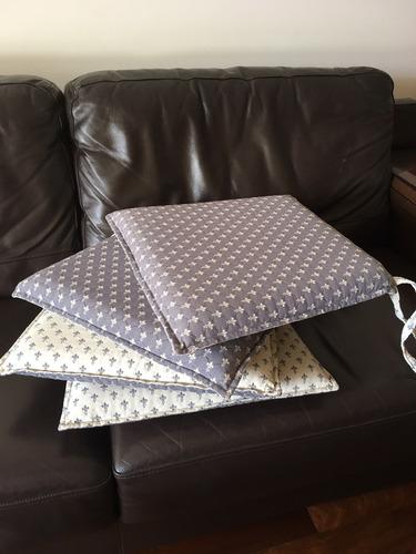 4 almohadones reversibles lavables con cierre gris y crudo