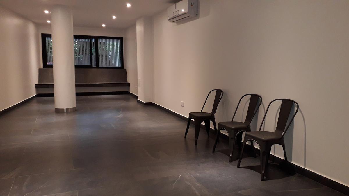 4 amb c/ patio i full amenities!!!