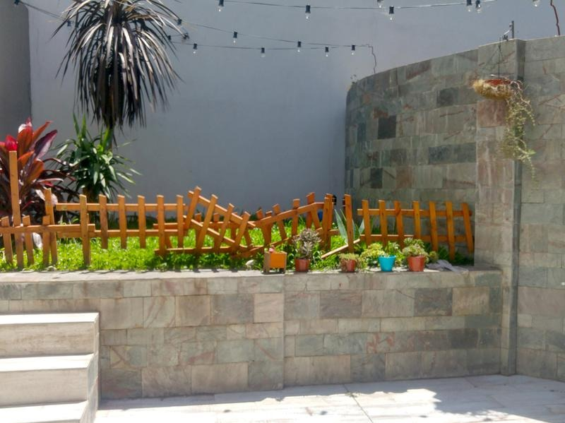 4 amb. con patio,  jardin y cochera!