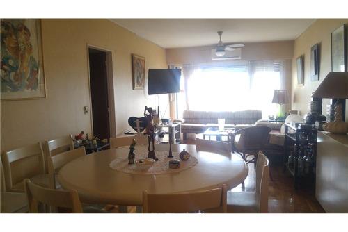 4 ambientes, 2 dormitorios, cochera y baulera !!