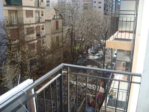4 ambientes a la calle con balcón