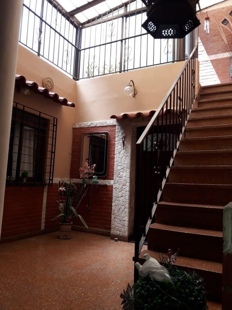 4 ambientes con patio y terraza