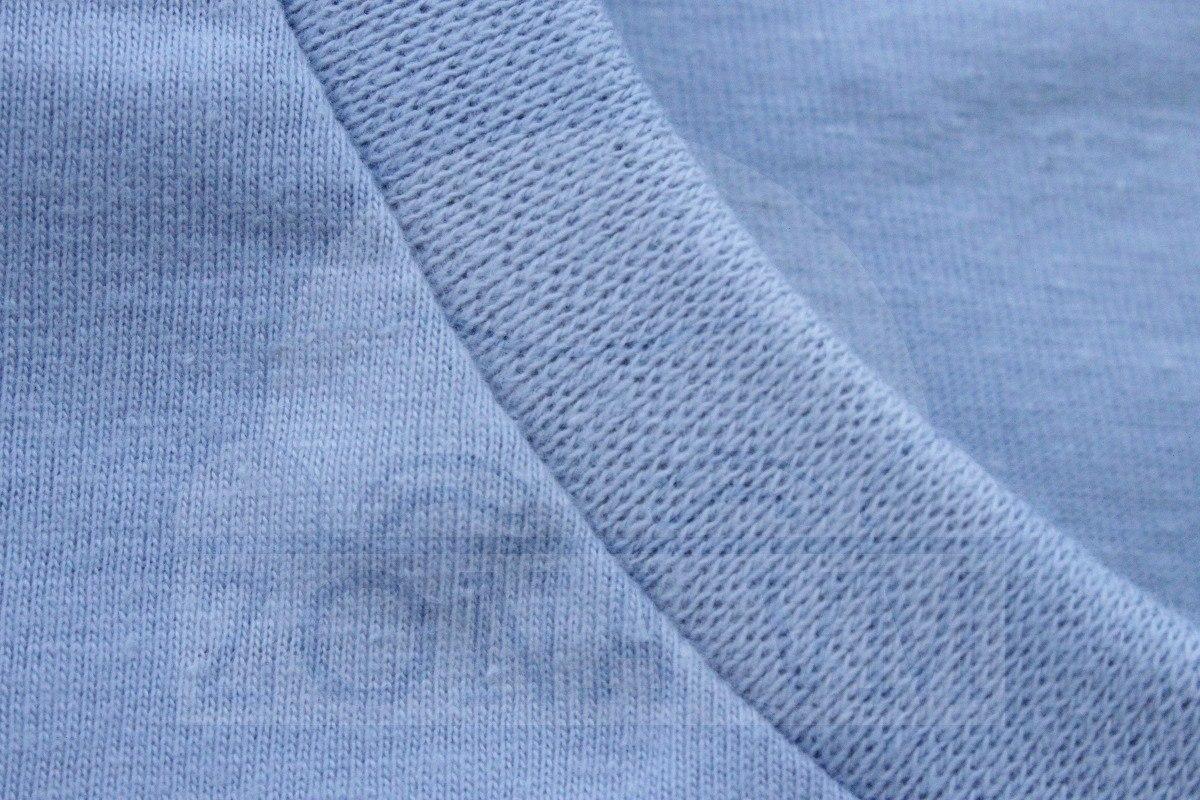 15b055152198d 4 camisetas modelos únicos  estampas diferentes. Carregando zoom.