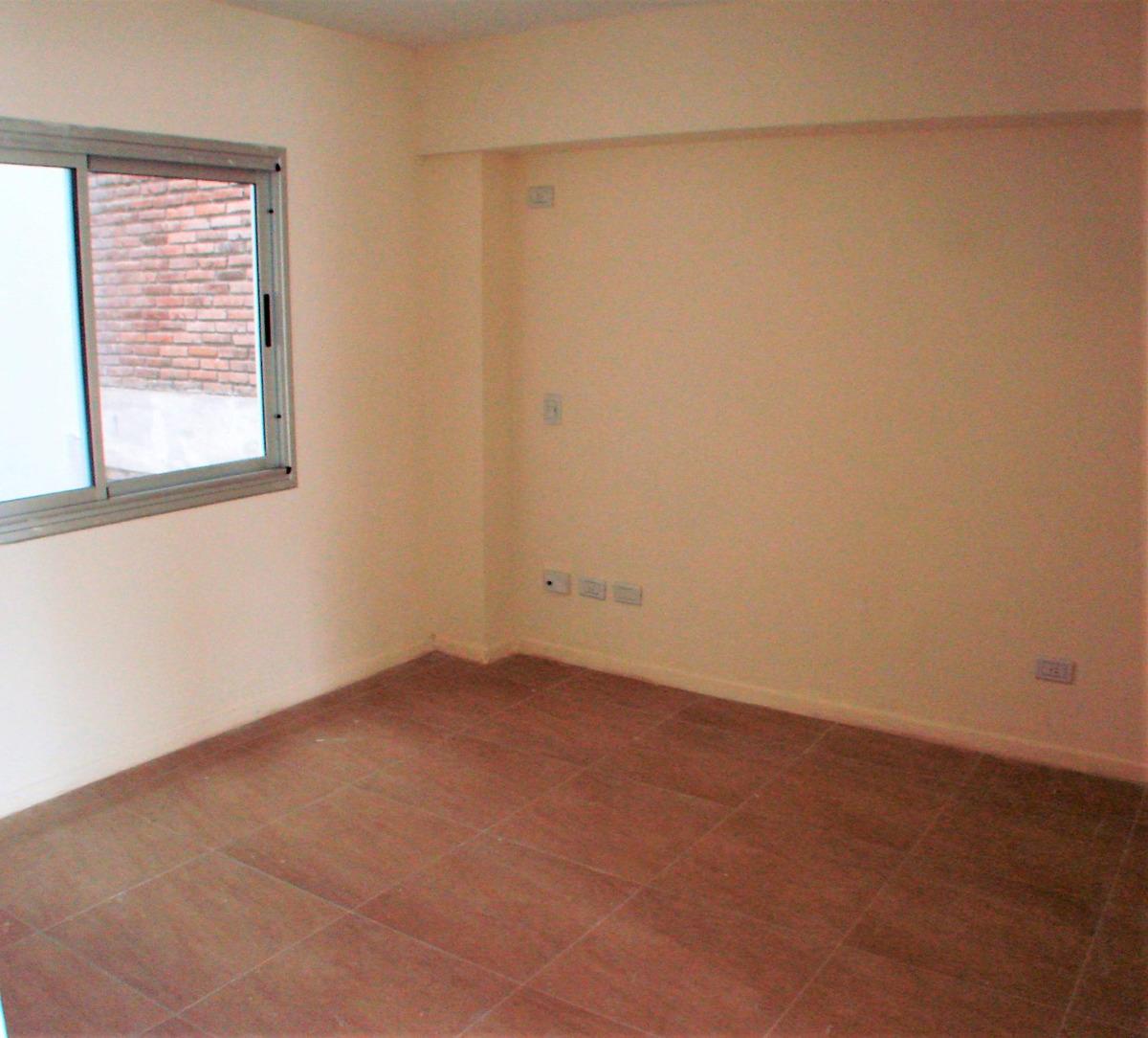 (4° contrafrente) departamento 3 ambientes con balcón
