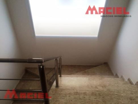 4 dormitorios - casa em c. fechado - sjc - urbanova