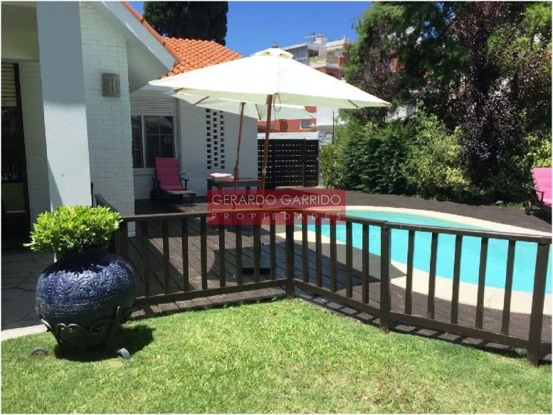 4 dormitorios y dependencia muy luminosa con piscina a metros del mar en el centro de las paradas- ref: 31883