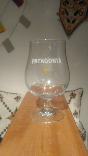 4 exclusivas copas patagonia x 400 en palermo hollywood