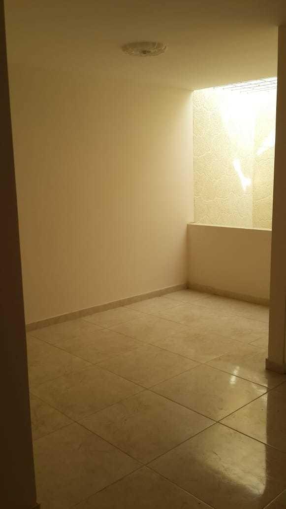 4 habitaciones 3 baños división en vidrio