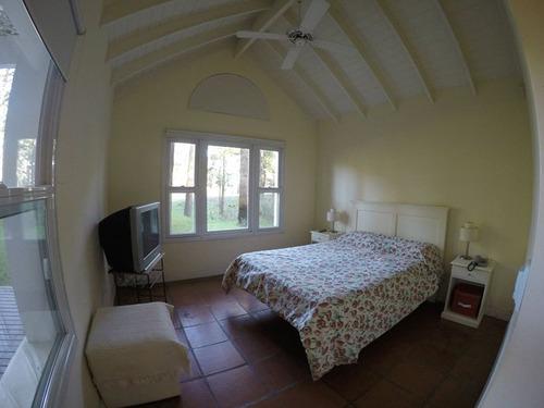 4 habitaciones. vista al golf! ideal p/8. todo el año