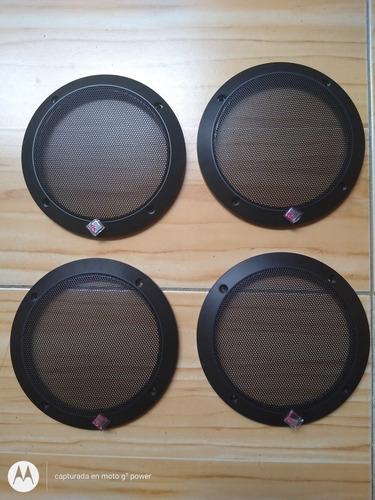 4 parlantes,(3 renault-1 rockford fosgate),1 componente jbl.