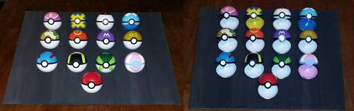 4 pokebolas al azar + 12 pokémon al azar.