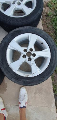 4 ruedas toyota corolla