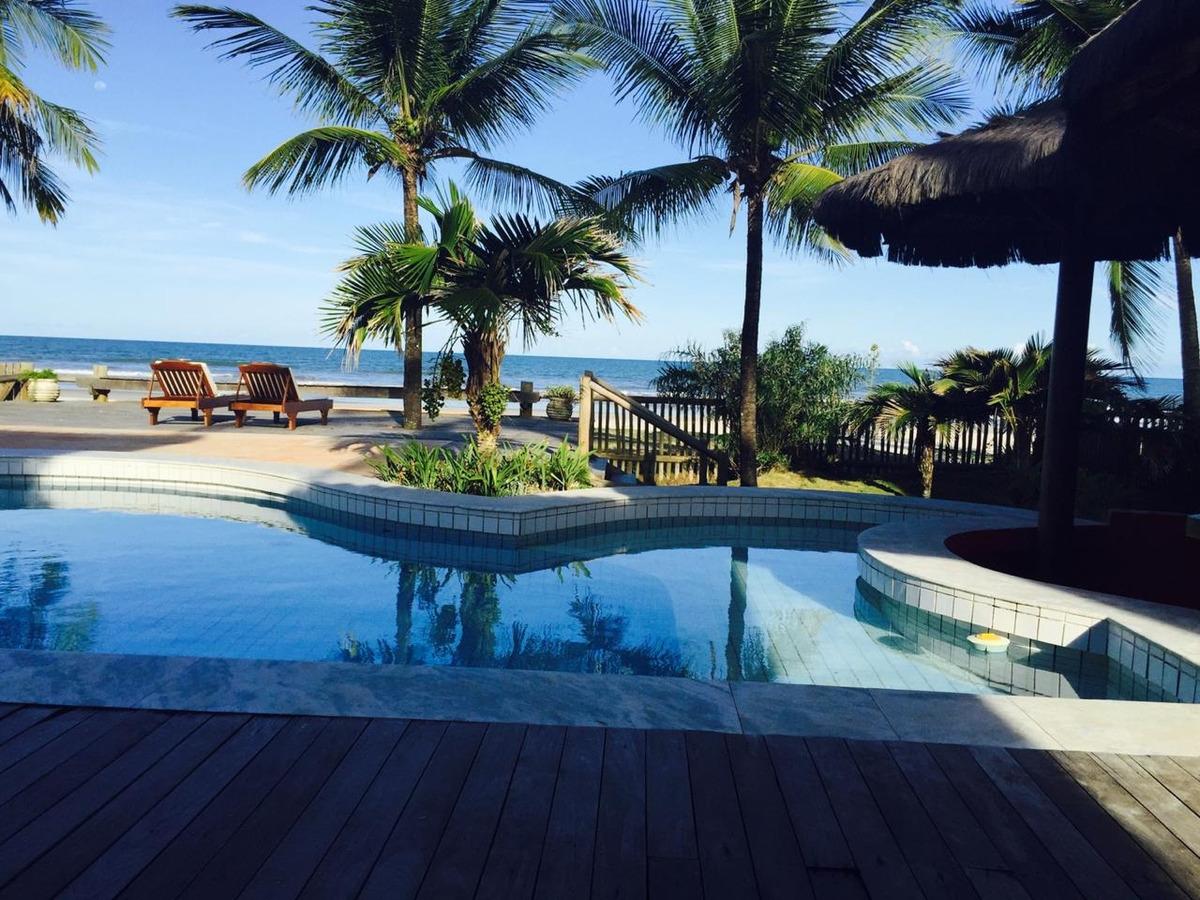 4 suítes com piscina em  frente ao mar