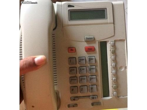 40 teléfonos norter meridian con 3 centrales telefónicas