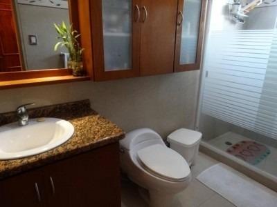 404 m2. venta de casa en valles de camoruco valencia.
