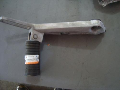 4285 - bacalhau suporte pedaleira lado direito fym100 web