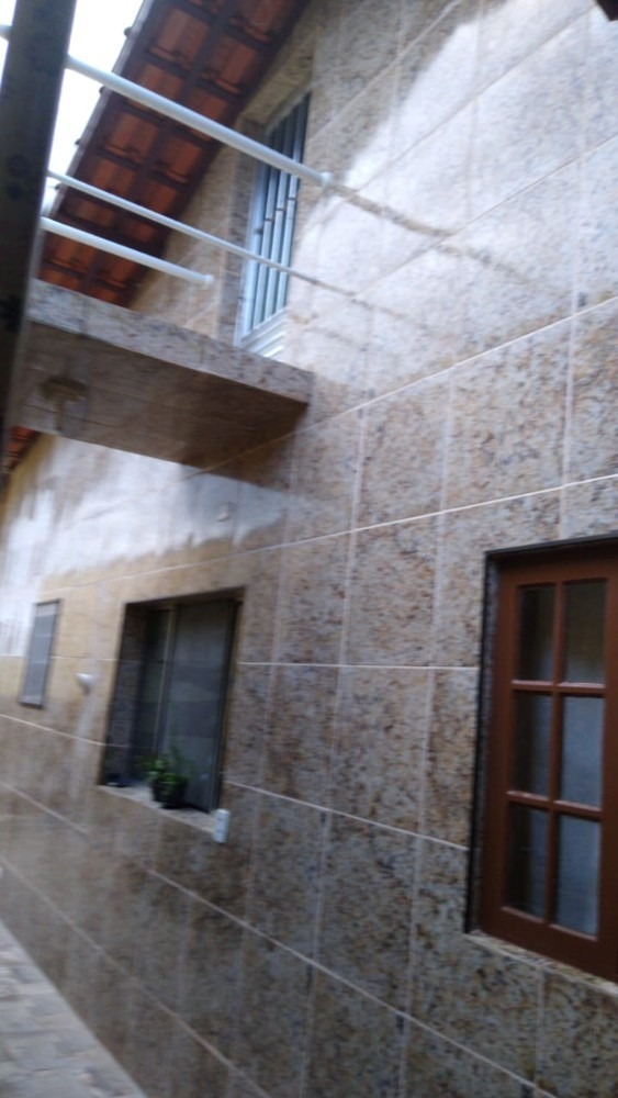 4309-casa 4 dormitórios + edícula lado pista mongaguá r$ 230