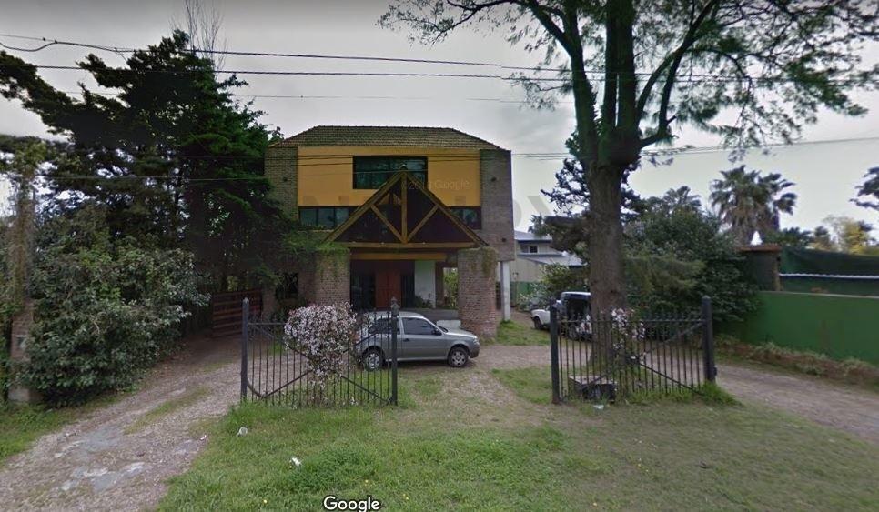 461b entre 14c y 14a. casa con 3 dormitorios en venta, city bell.-