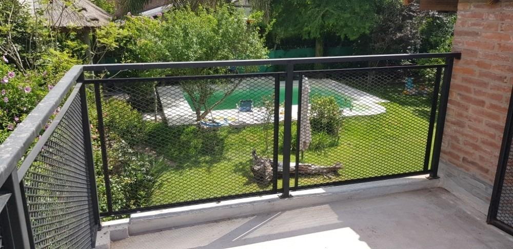 462 y 23 - casa con pileta; quincho y jardin