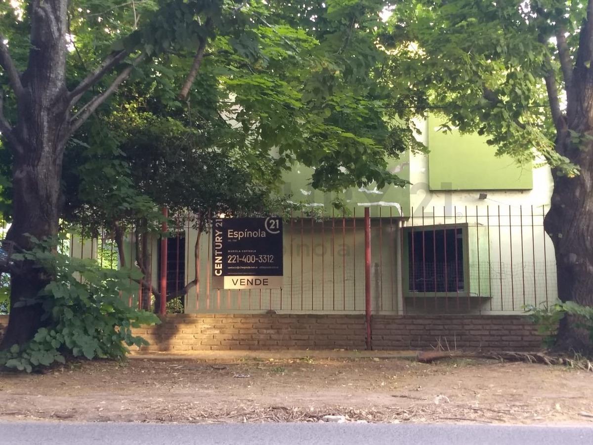 467 e/27 y 28 - vende casa, 4 dormitorios, city bell