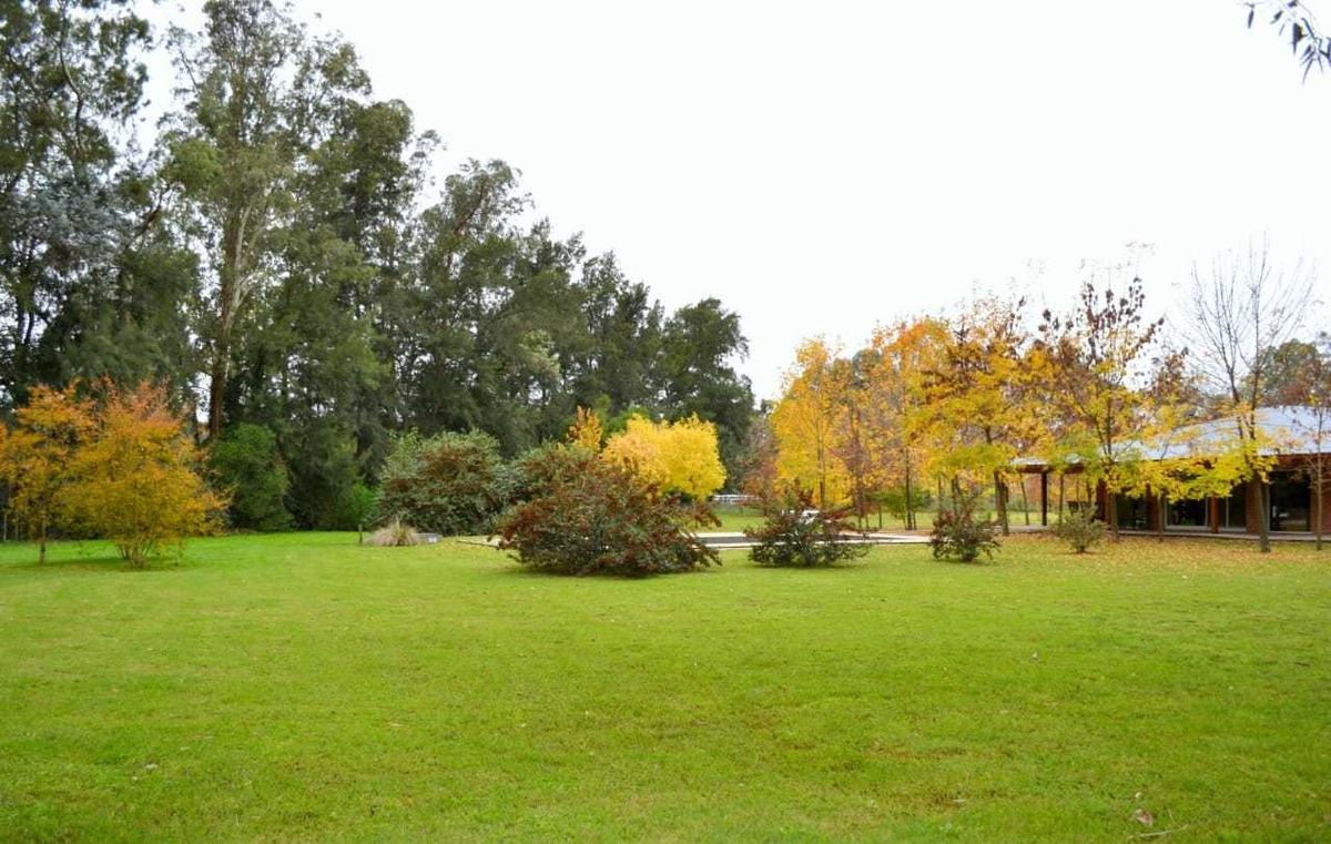 470 y 156 - city bell - 9500 m2 de parque