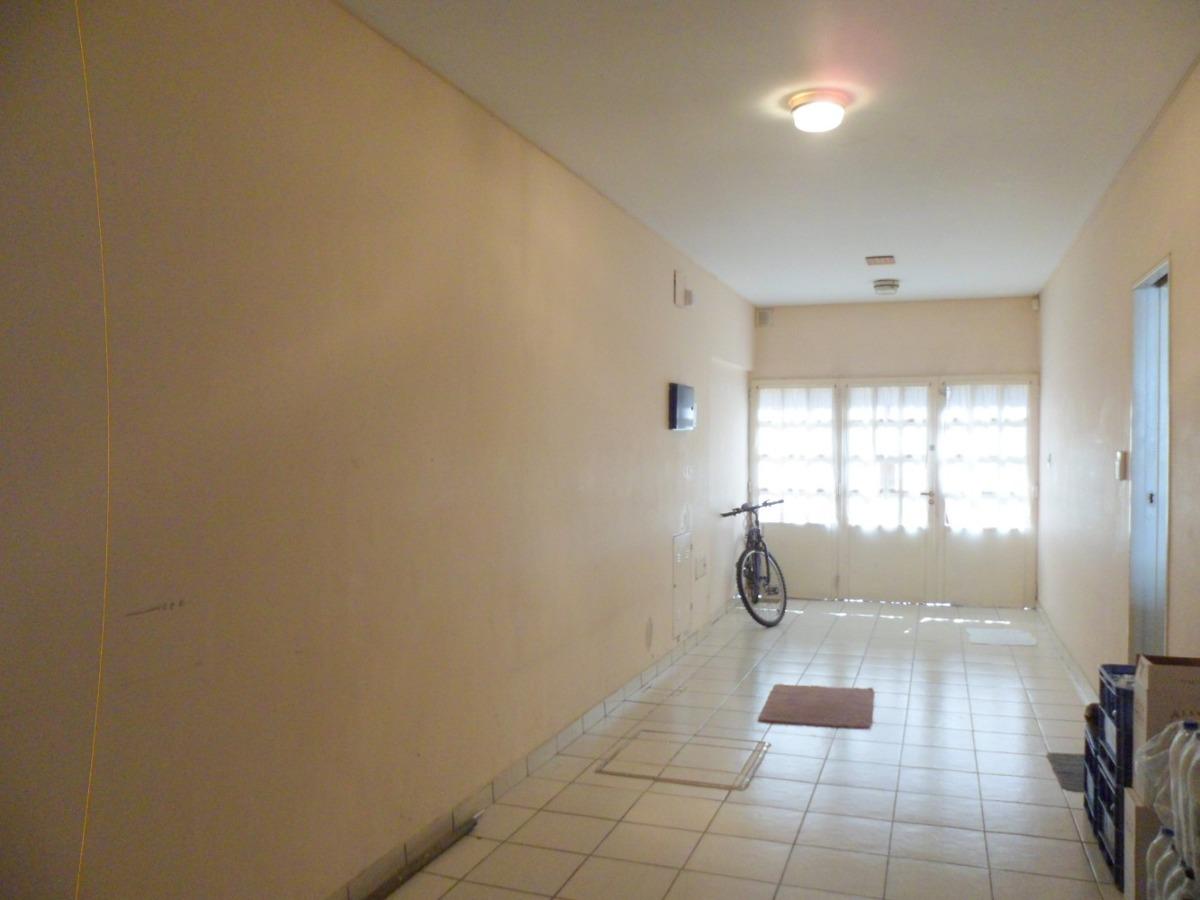 49 casa 5 ambientes, toilette, suite, patio, jardín, garage.