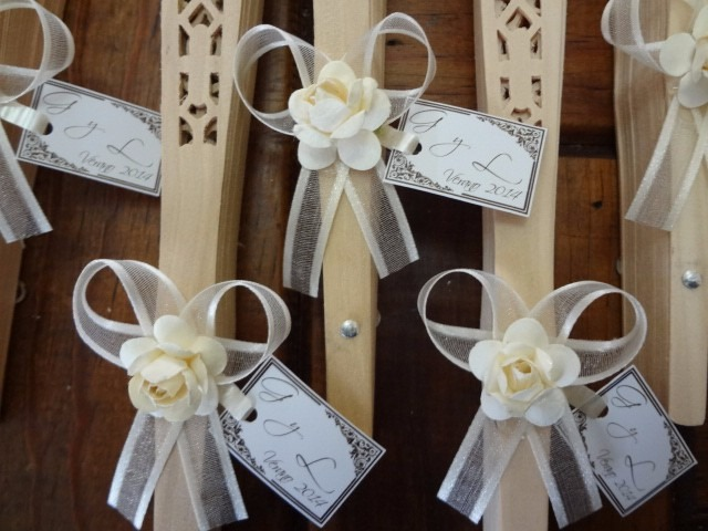 5 abanicos de tela blanca o madera para boda - Abanicos para decorar ...