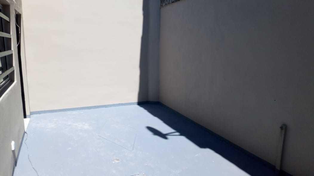 5 ambientes al frente con quincho y terraza
