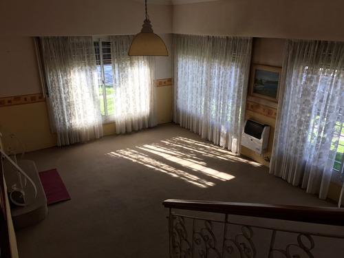 5 ambientes casa en esquina stella maris, mar del plata.