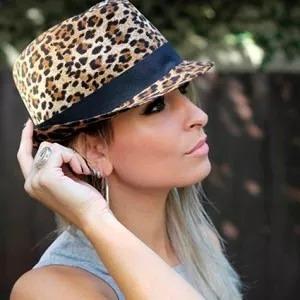 04b4943d11b7b 5 Chapéu Panamá Feminino Oncinha Onça Tecido - R  72