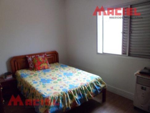 5 dormitorios - 1 suite - 4 vagas