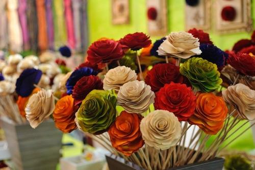 5 flores de madeira grandes rosas  (atacado)