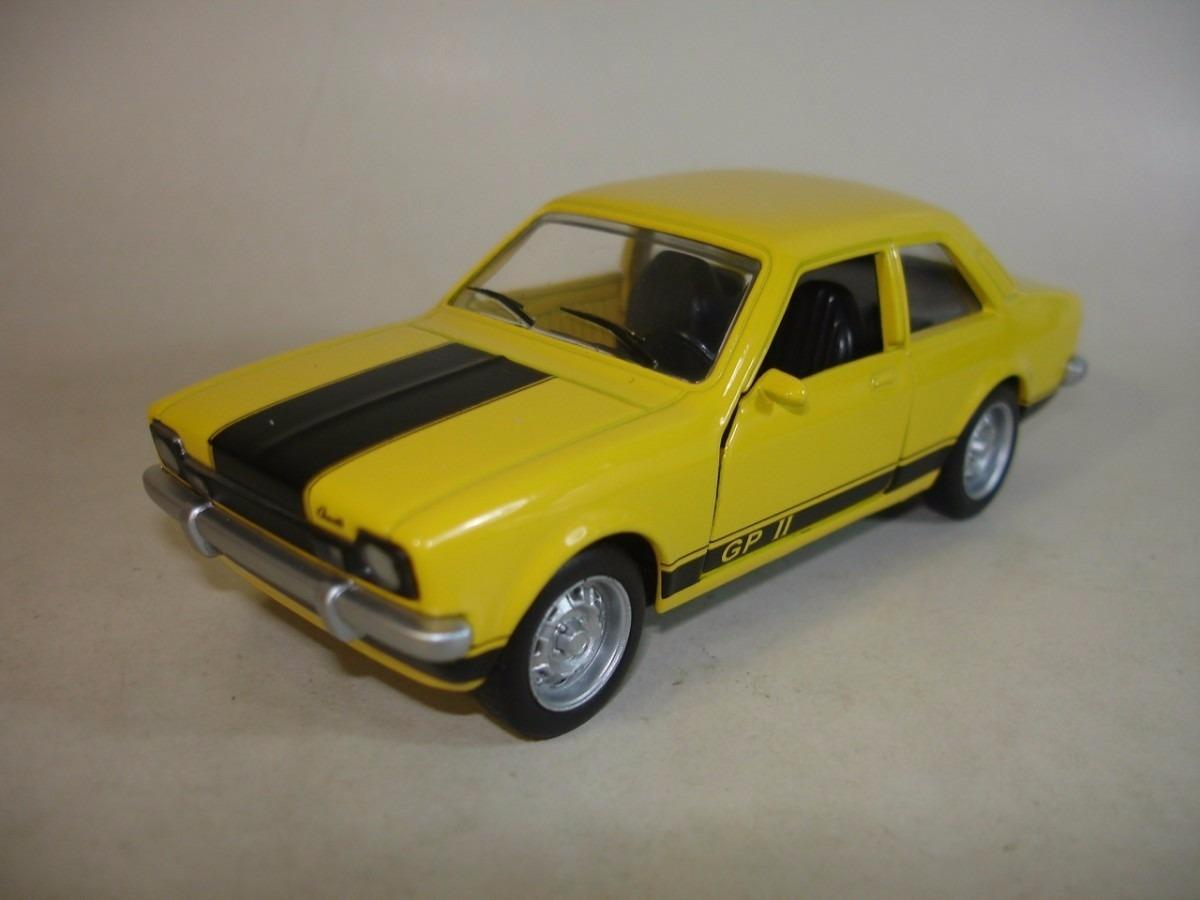 5-miniaturas-carros-do-brasil-classicos-nacionais-143-metal-D_NQ_NP_735701-MLB20388490436_082015-F.jpg
