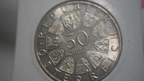 50 shillings    plata