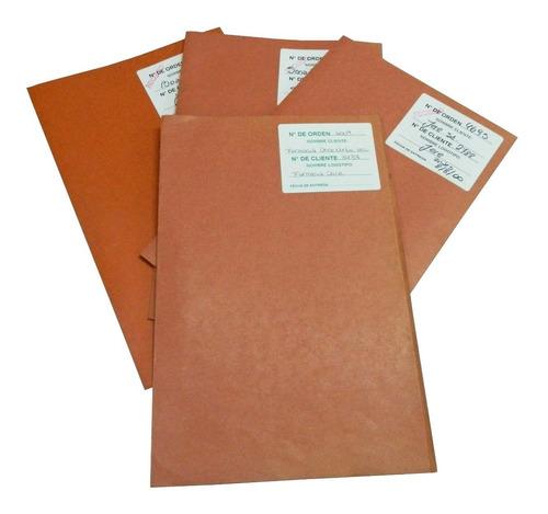 500 carpetas de cartulina usadas