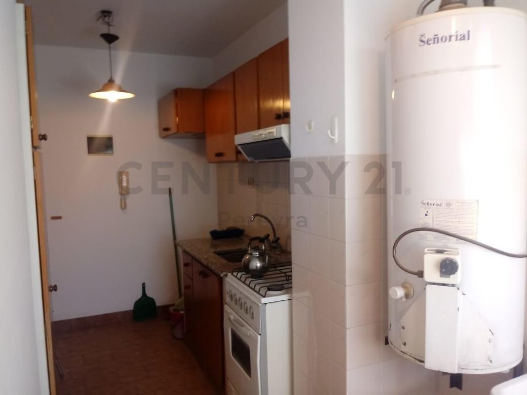 522 y 29. departamento  de 2 dormitorios en venta, tolosa.-