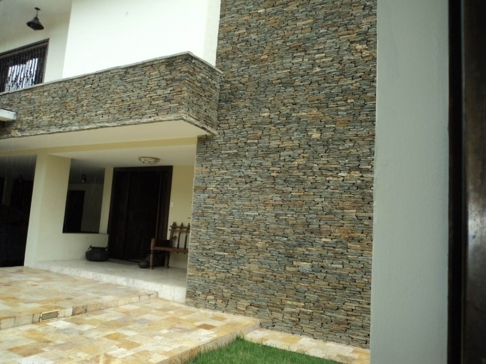546 m2 casa remodelada en venta en urbanizacion guaparo
