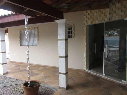 55-casa á venda com 3 quartos sendo 1 suíte e 3 banheiros