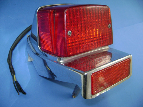 550 yamaha anos 1981/83  lanterna freio