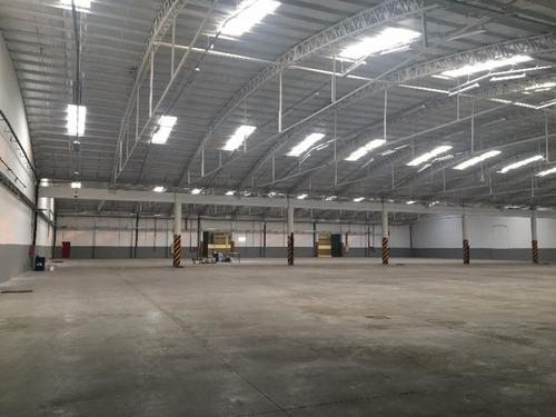 5500 m2 cubiertos ampliable a 8800 m2