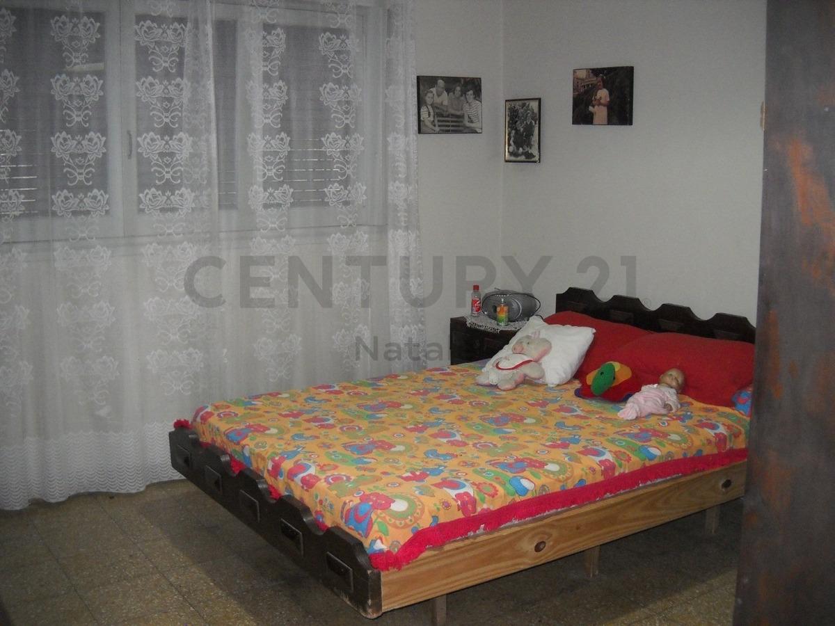 5bis entre 516 y 517: ringuelet casa 2 dormitorios con parque.