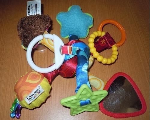 5$juguete móvil forma de nudo marca lamaze