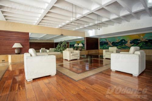 6 ambientes en venta con cochera y dependencia en belgrano.
