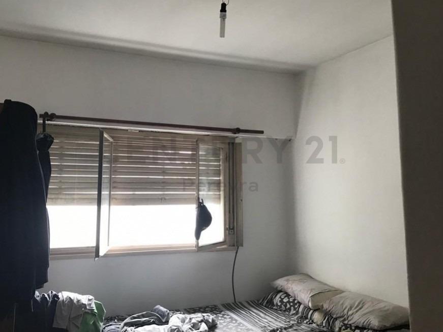 6 entre 42 y 43. departamento 3 dormitorios en venta, la plata.-