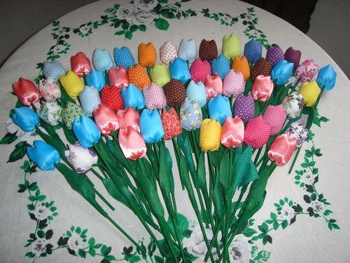 60 tulipas em tecido para lembrancinhas