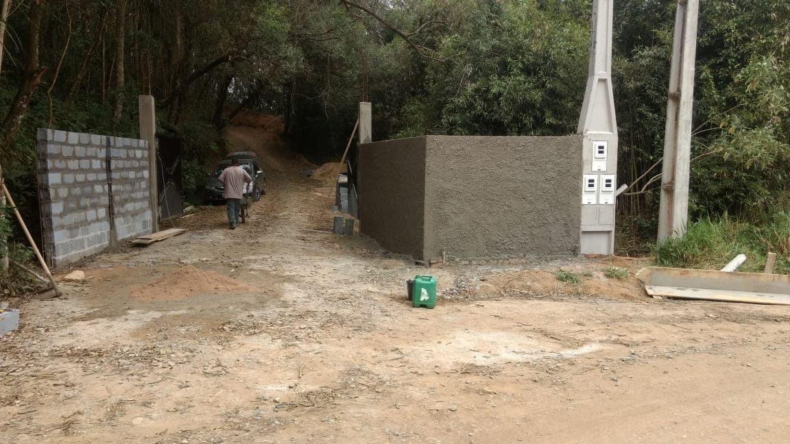 600 m2 com lazer e segurança parcelado em ibiuna c.