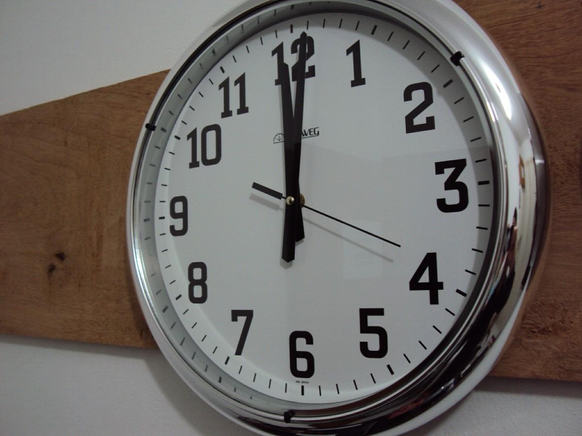 3be67ae1703 6128s Relógio Parede 40cm Cromado Sem Barulho Tictac Herweg - R  179 ...