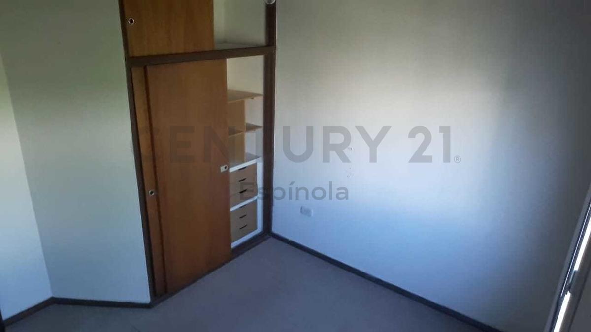 62 e/4 y diag.73 - vende duplex 2 dormitorios, la plata